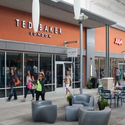 nearest coach outlet 9x33  Photo of Toronto Premium Outlets