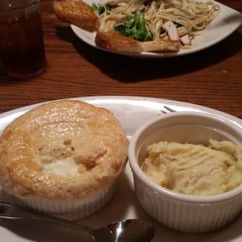 Marie Callender S Restaurant Bakery 106 Photos 120 Reviews Bakeries 540 N Euclid Ave