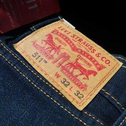 uk availability 52b1a 09e85 Levi's Outlet Store - 15 Photos & 25 Reviews - Men's ...