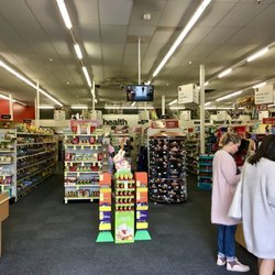 cvs pharmacy 10 photos 100 reviews drugstores 8915 towne