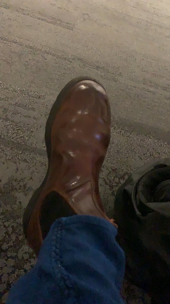 Shoe Shine: 6000 N Terminal Pkwy, Atlanta, GA