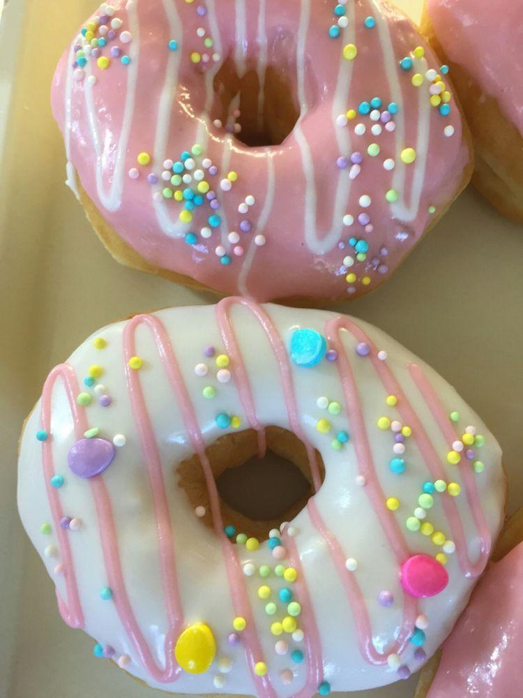 Honey Donuts: 104 S Tarrant St, Crowley, TX