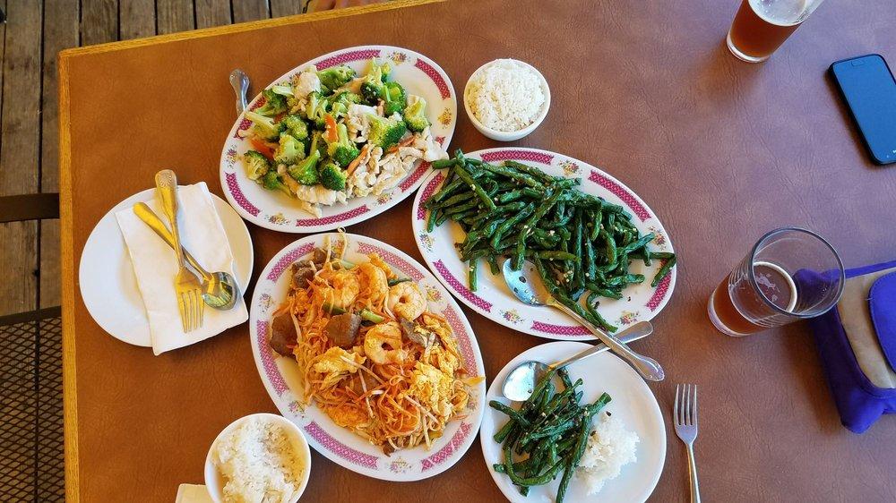 Hong Kong Gardens Restaurant: 9324 Sr 525, Clinton, WA