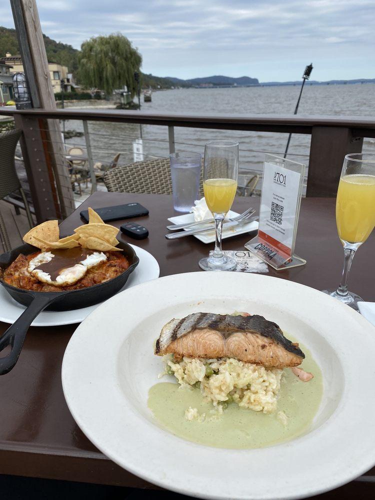 Social Spots from Pier 701 Restaurant & Bar