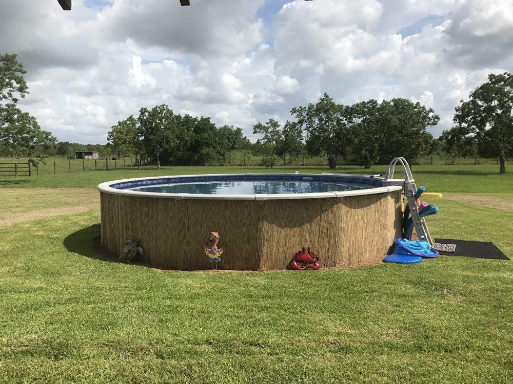 Cryer Pools and Spas: 1418 N Hwy 146, Baytown, TX