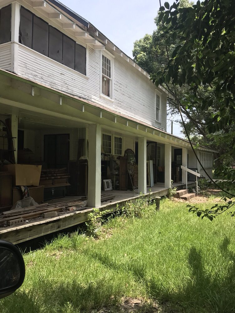 Whitehouse Antiques: 1915 Mustang Rd, Alvin, TX