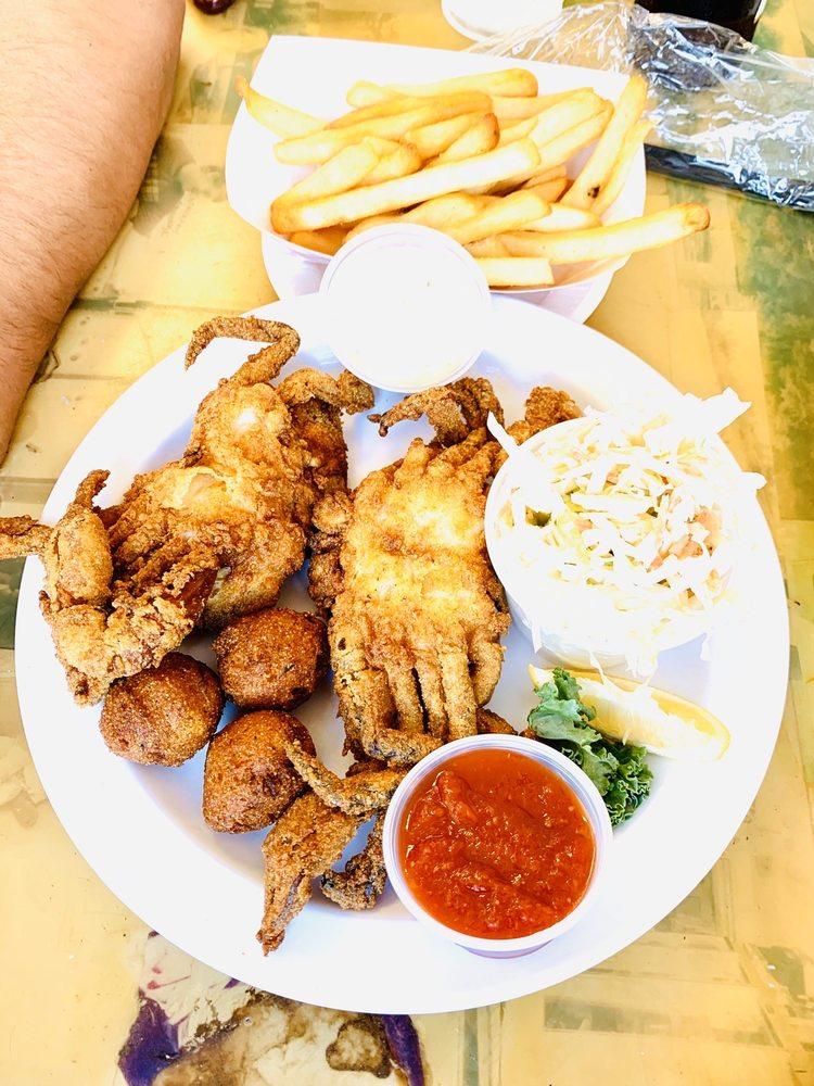 Tim's Rivershore Restaurant: 1510 Cherry Hill Rd, Dumfries, VA