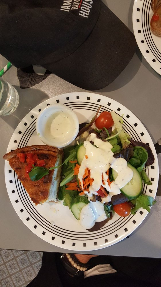 Thyme & Place Cafe: 155 Hall Ave, Southern Pines, NC