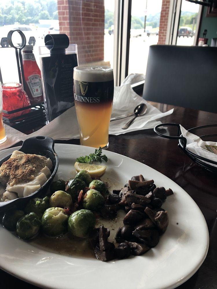 Corleones' Bar & Grill: 4627 State Rte 51, Belle Vernon, PA