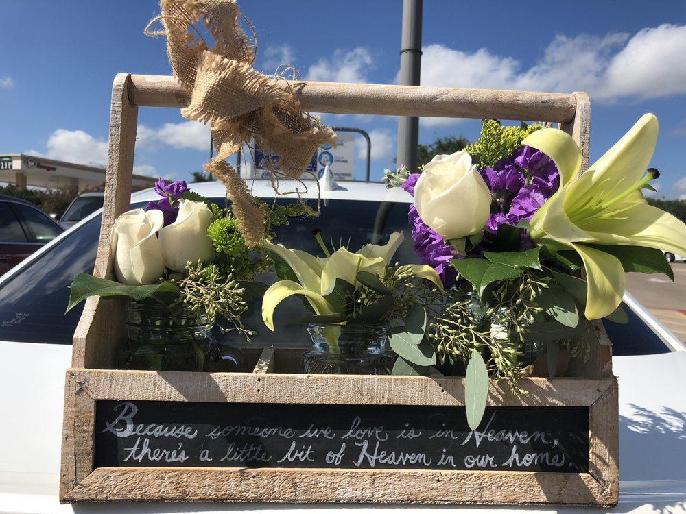Iva's Flower Shop: 2400 W Pioneer Pkwy, Arlington, TX