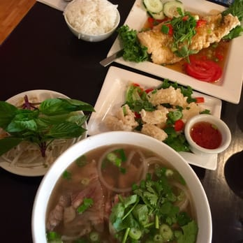 Saigon kitchen 158 photos 394 reviews vietnamese for Asia cuisine ithaca hours
