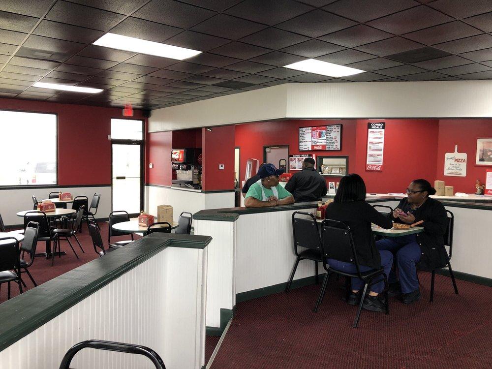 Sonny's Pizza: 106 Eisenhower Rd, Ferriday, LA