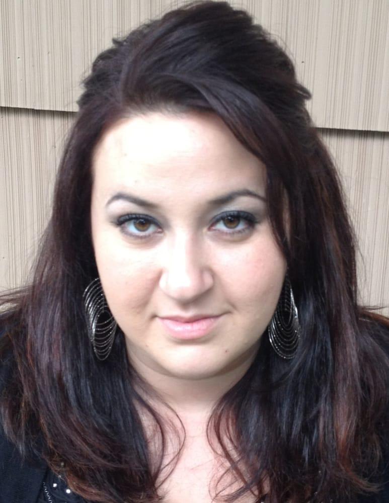 Maria kasimis coiffeurs salons de coiffure 45 bantam for Samantha oups au salon de coiffure