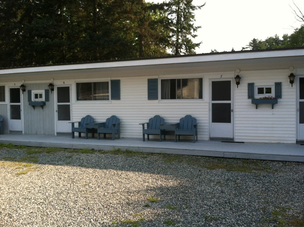Country Squire Motel: 172 W Main St, Littleton, NH