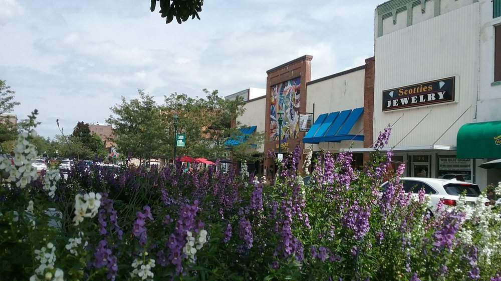 Downtown Hendersonville: 401 N Main St, Hendersonville, NC