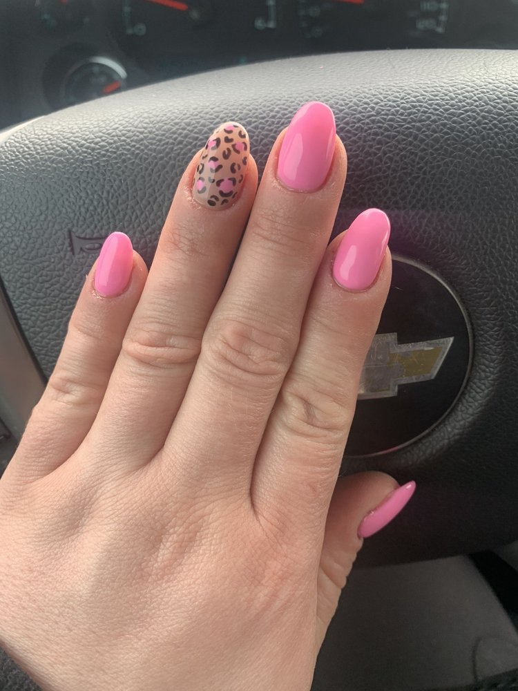 Solace Nails and Spa: 4041 N Maize Rd, Maize, KS