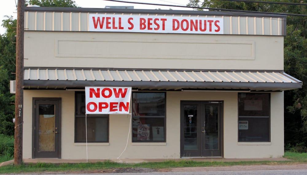 Wells Best Donut: 254 Rusk Ave, Wells, TX