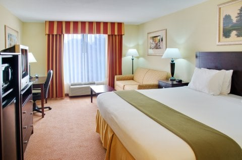 Holiday Inn Express Leesville-Ft. Polk: 122 Express Blvd, Leesville, LA