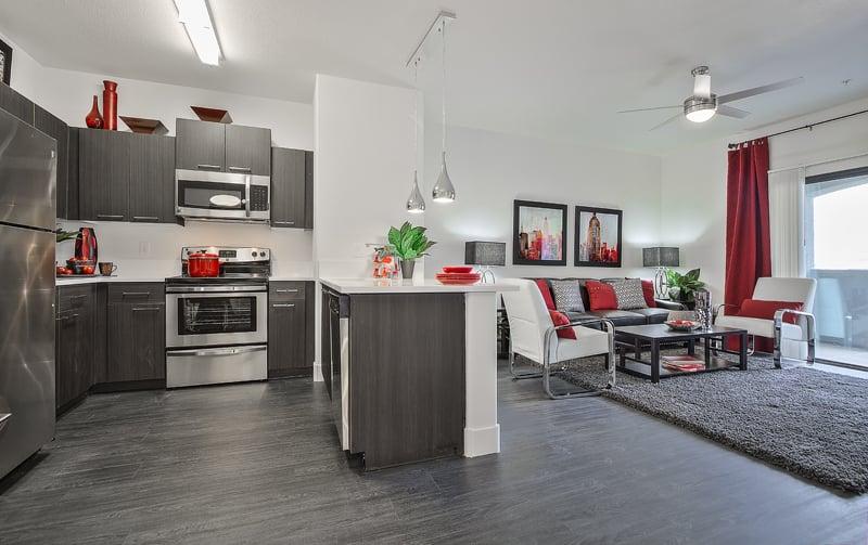 SW Apartments - 20 Photos & 46 Reviews - Apartments - 6355 ...