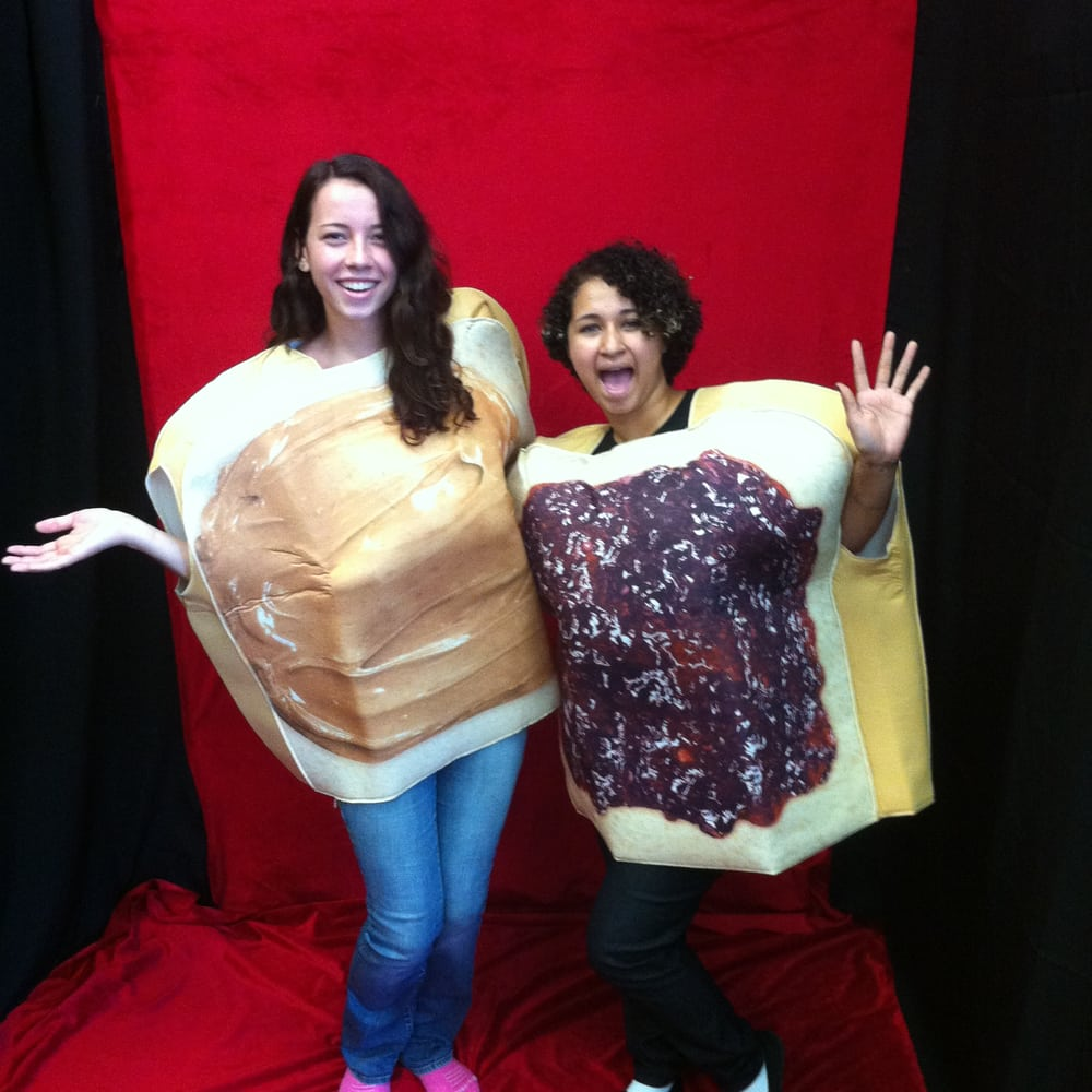 great couples costume! peanut butter and jelly! two costumes in one
