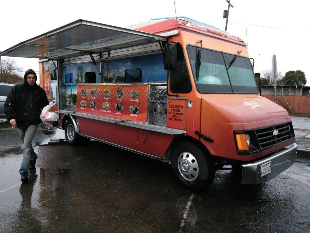 Tacos Morelia: California city, CA