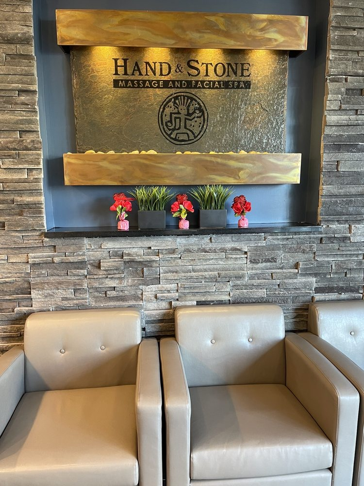 Hand & Stone Massage and Facial Spa: 15904 Crain Hwy, Brandywine, MD