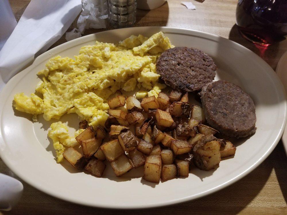 Trivet's Family Restaurant: 8225 State Hwy 17, Elgin, OK