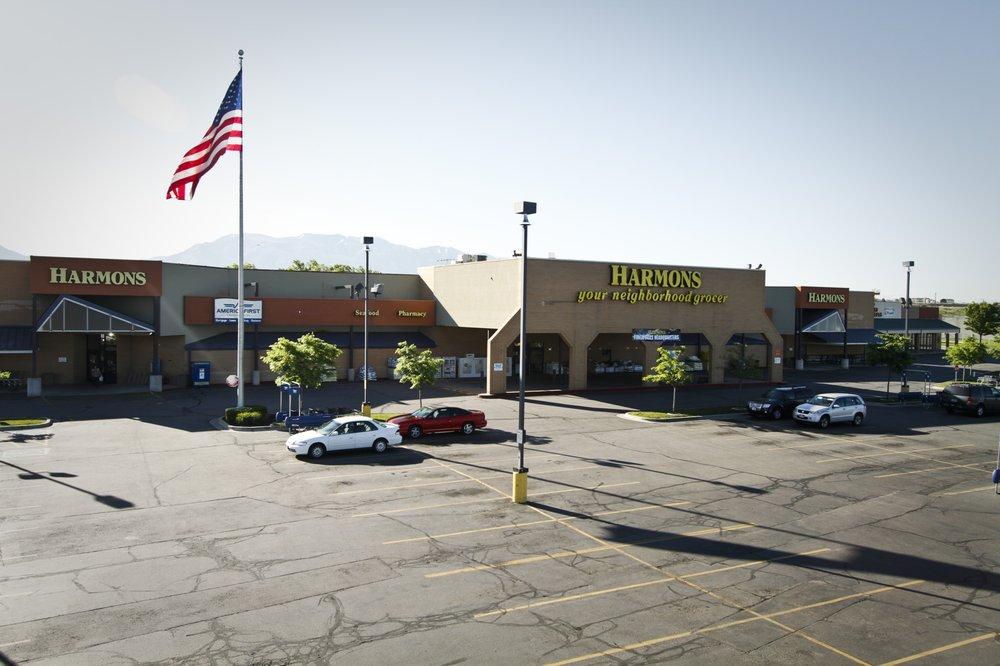Harmons Neighborhood Grocer: 5370 S 1900th W, Roy, UT