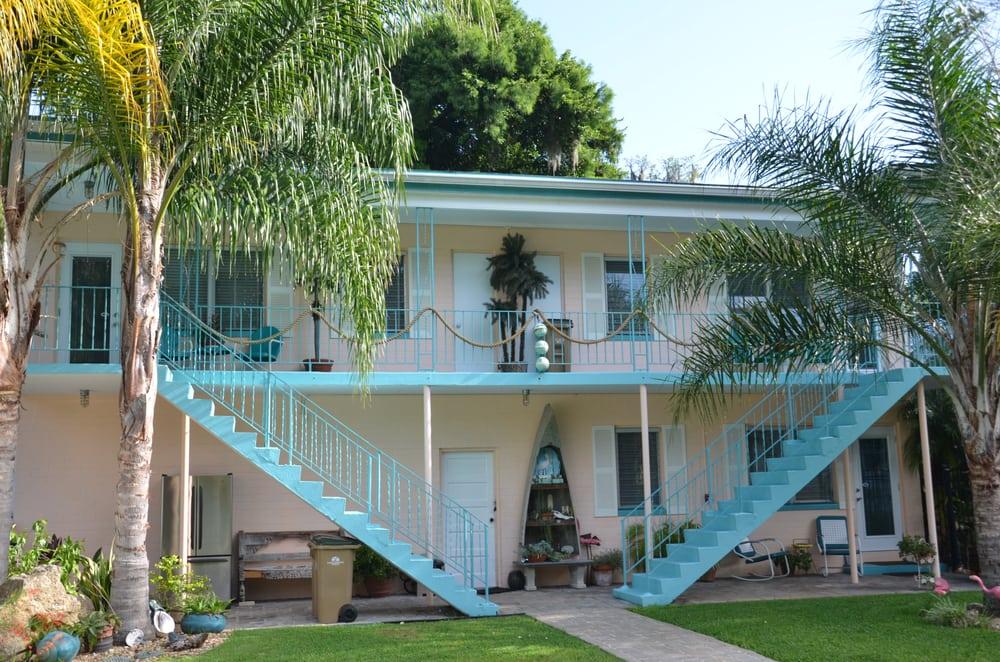Astor's Floridian Inn: 55336 Claire St, Astor, FL