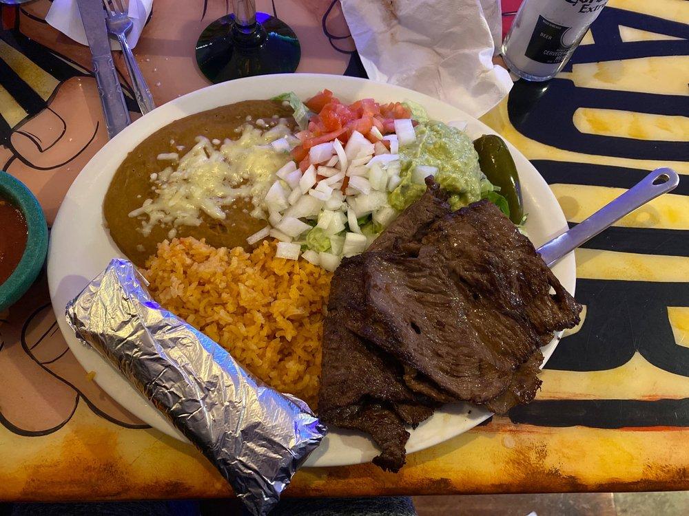 Sombreros Mexican Grill: 3180 US Hwy 64, Crump, TN
