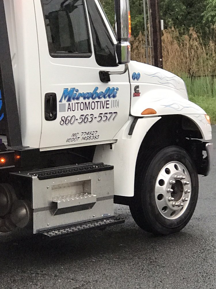 Towing business in Farmington, CT