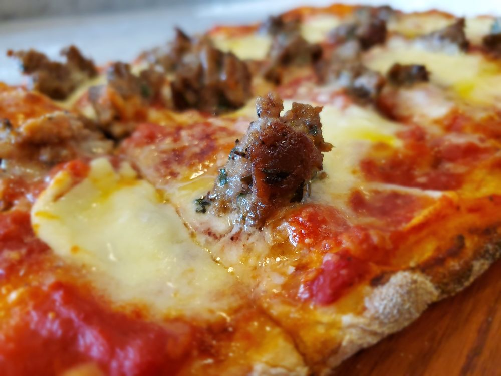 Food from Mercato Roman Pizza