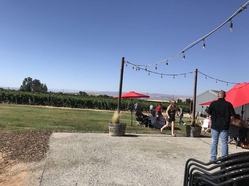 Marechal Vineyards: 1835 N Zediker Ave, Sanger, CA
