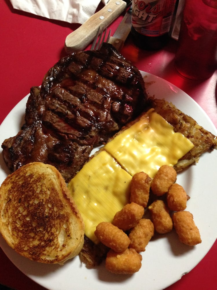 Regs 7 Mile Steakhouse: 105B 41st Rd, Columbus, NE