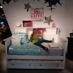 Rooms To Go Kids Furniture Stores 10000 Katy Fwy Memorial