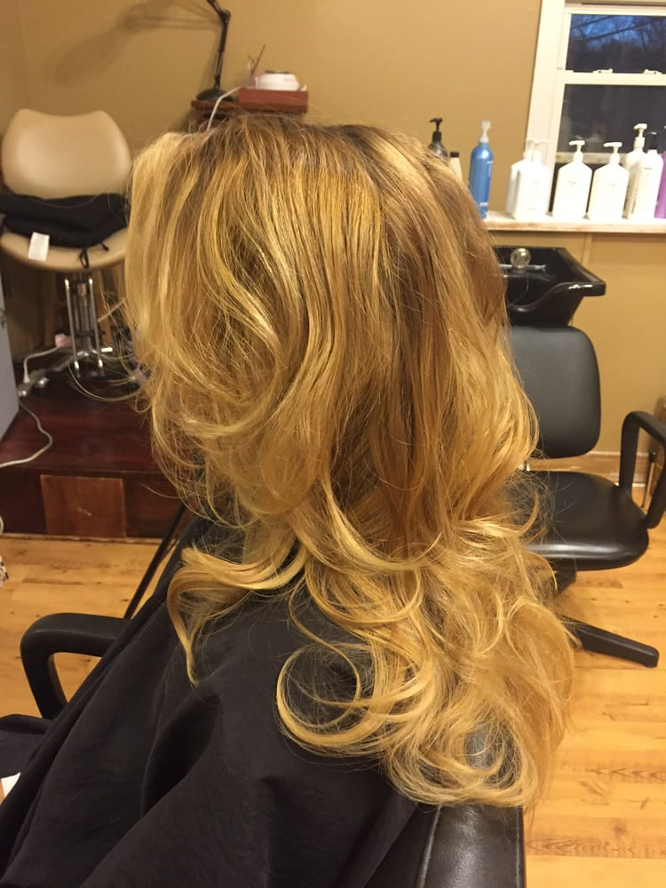 Changes by Linda & Co Hair Salon: Amwell Rd, Somerset, NJ