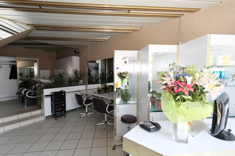 Napoli giordana coiffeurs salons de coiffure for Salon de the chatelet