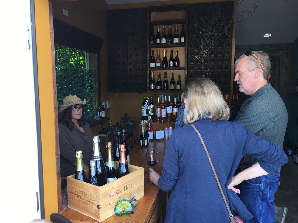 Dixie's Vino: 162 Laneda Ave, Manzanita, OR