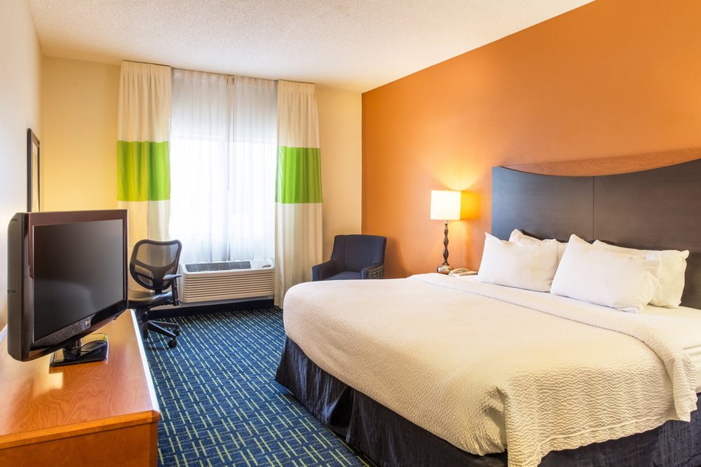 Fairfield Inn & Suites by Marriott Billings: 2026 Overland Ave, Billings, MT
