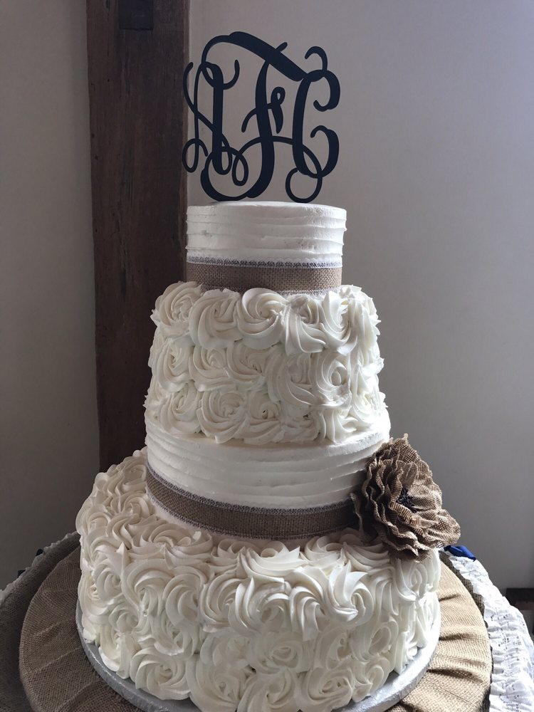 Dice's Creative Cakes: 30 N Reading Ave, Boyertown, PA