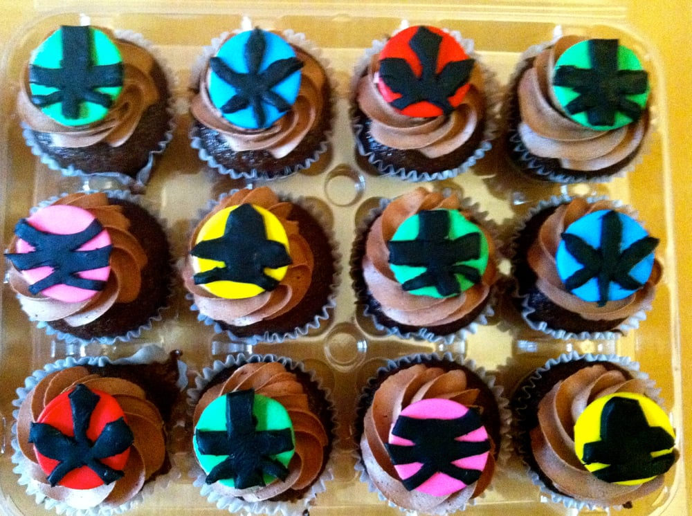 how to make power ranger cupcakes