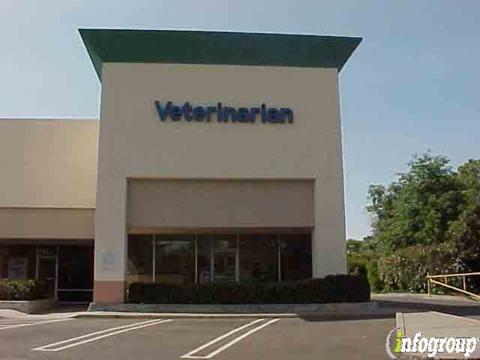 Elkhorn Plaza Veterinary Clinic: 5447 Diablo Dr, Sacramento, CA