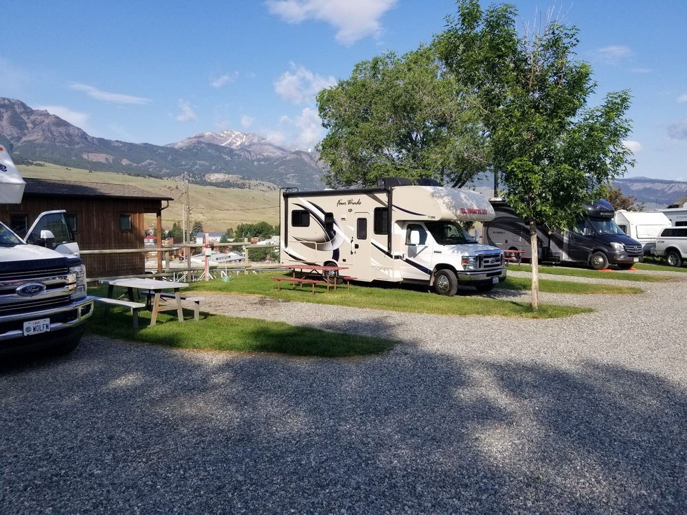Rocky Mountain RV Park and Lodging, LLC: 14 Jardine Rd, Gardiner, MT