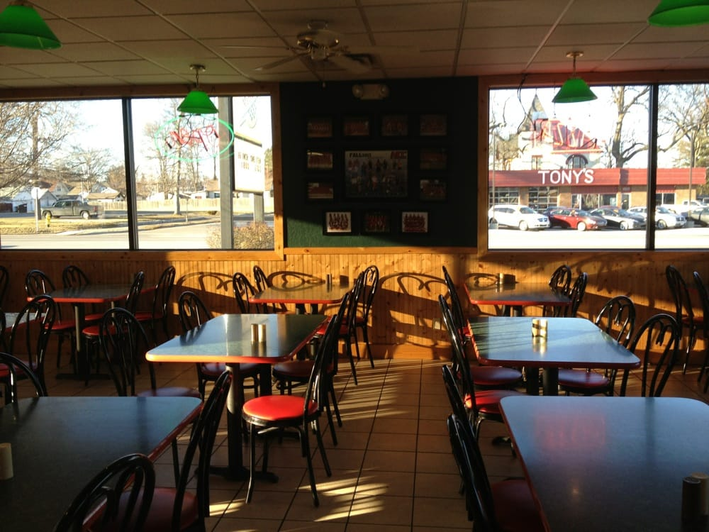 Mancino's Pizza & Grinders: 217 National Rd W, Richmond, IN
