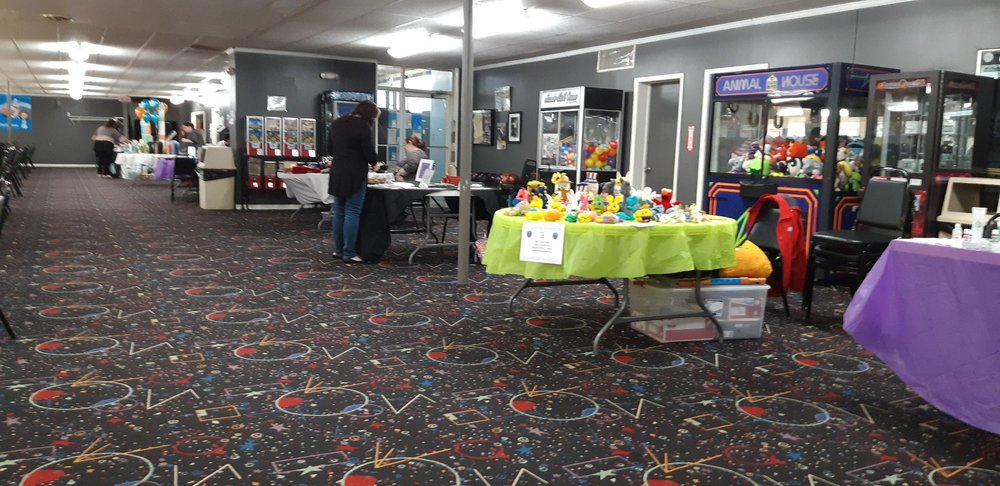 Sims Bowling Lanes: 7245 Big Beaver Blvd, Beaver Falls, PA