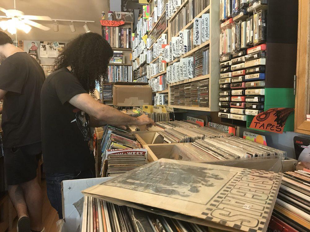 Low Yo Yo Stuff Records