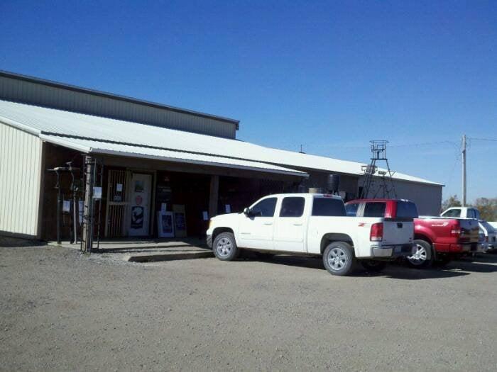 Smoky Valley Shooting Sports & Archery Pro Shop: 2341 14th Ave, Lindsborg, KS