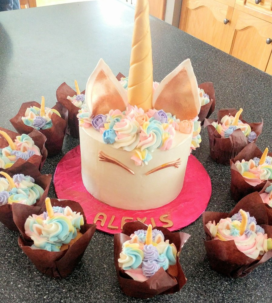 The Unicorn Cake And Matching Cupcakes They Made For My Birthday It