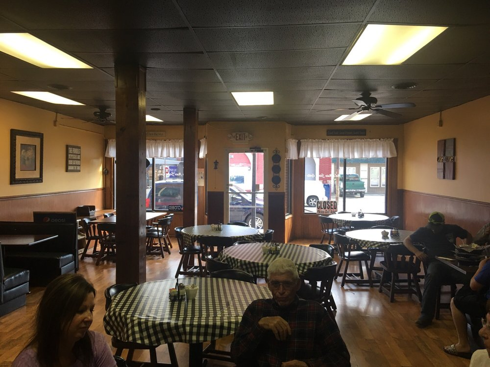 Photo of Mel's Main Street Grille: Peebles, OH