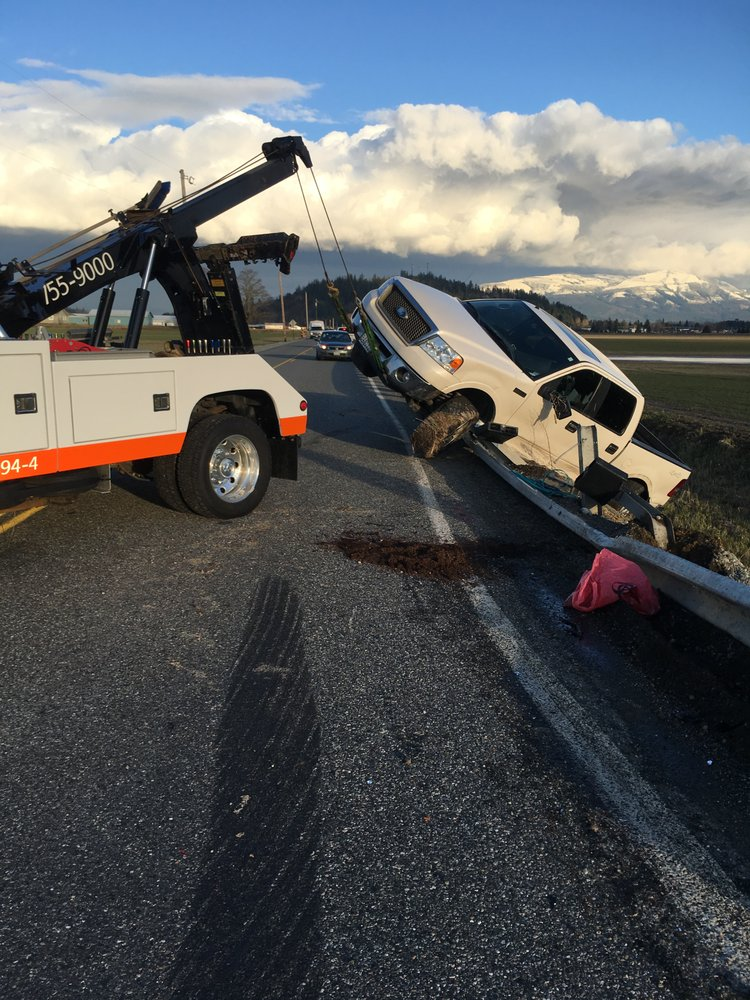 Carl's Towing: 613 Sunset Park Dr, Sedro-Woolley, WA
